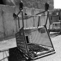 Shopping carts, por r. nial bradshaw (via Flickr)