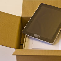 Unboxing the Apple iPad, por inUse Experience (via Flickr)