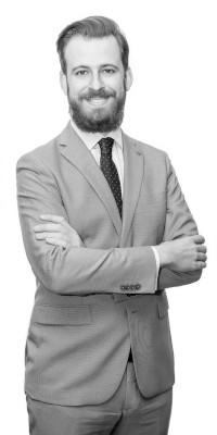 Héctor Oliver